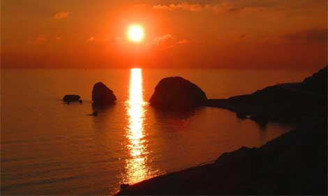 Sunset at Petra tou Romiou (Aphrodite's Rock)