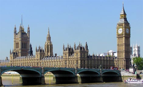 The Houses of Parliament (photo by Adrian Pingstone)