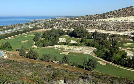 View over hole 9 of the Secret Valley golf course